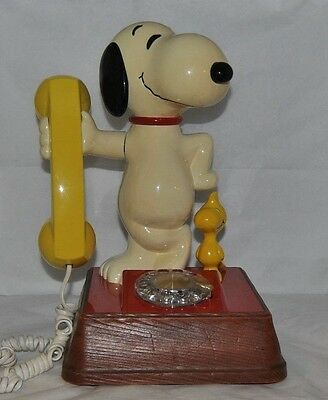 Vintage Working 1976 Snoopy & Woodstock American Telecom Corp. Rotary Phone