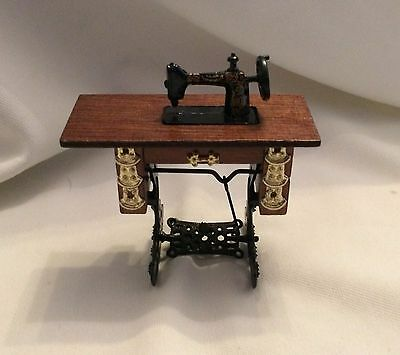 Dolls House Sewing Machine in Table 1:12 Scale