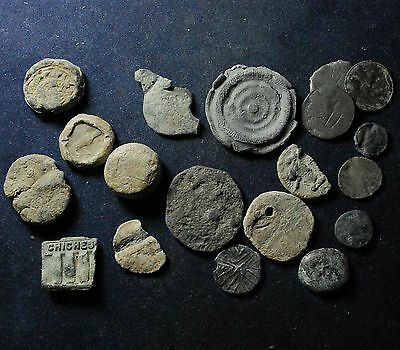 Collection of 19 mainly lead objects: tokens, seals, weight, etc. - total 134.7g