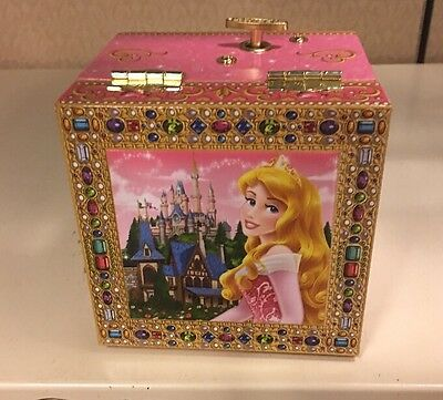 DISNEY PARKS NWT Rapunzel Musical Jewelry Box With Mirror 5036
