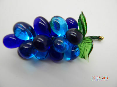 Bunch of Glass Grapes! Decorative!! Great gift idea!!!! Blue!!