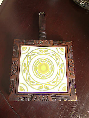 MEXICAN DAL-TILE TRIVET W/HAND CARVED WOOD & HANDLE, USE OR HANG AZ-13 Green