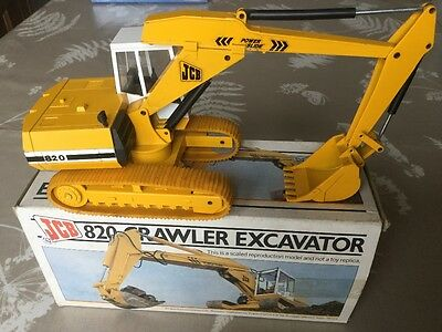 construction model JCB 820 1.35 scale dicast no 286