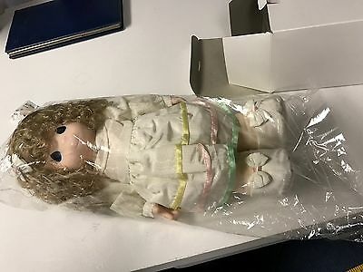 PRECIOUS MOMENTS Porcelain blonde girl with box