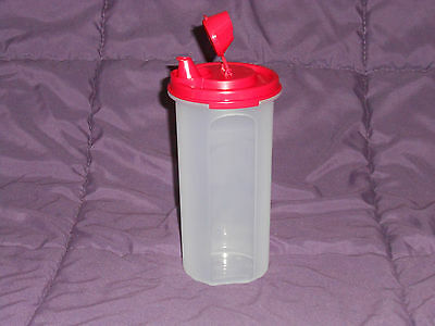 Tupperware Modular Mate round 3 with dripless pour spout seal oil dressing red