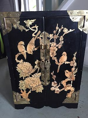 Vintage Chinese laquer inlaid jewellery box Pearlescent Unique Jewelry Chest