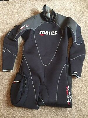 UK Mares Flexa semi-dry Therm 6,5mm Man size 4 Large With Boots Size 10 And Hood