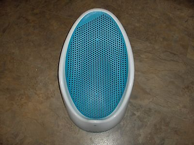 angelcare bath support WHITE AND BLUE