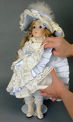 Signed & Numbered GORHAM PORCELAIN MUSICAL DOLL NICOLE Limited Edition MIB