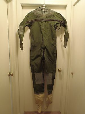 USAF ANTI-EXPOSURE FLYING SUIT CWU-74/P (Size 6)