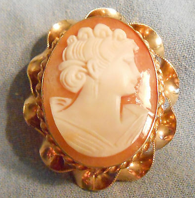 Beautiful Art Deco Shell Cameo Superbly Carved Pin Gold Filled Scrolled Frame