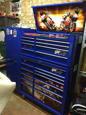 Snap On 40 Stack With Side Locker And Tools Great Condition