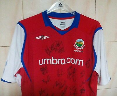 Linfield away shirt Umbro, sz. XXL, 2008/09, BNWOT, Signed for all players.