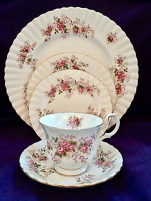 Royal Albert Lavender Rose 8-5 Piece Place Settings Available England Gorgeous