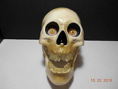 Gemmy Strobing Light Up Tabletop Skull / Teeth and Eyes Light Up / Working