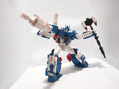 TRANSFORMER ULTRA MAGNUS Leader Class COMBINER WARS con X2 Toys Upgrade Kit