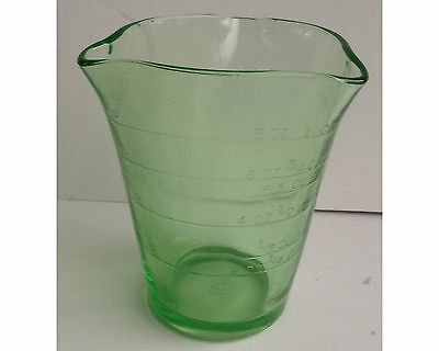 Federal Glass Co Green Depression 3 Spout Measuring Cup