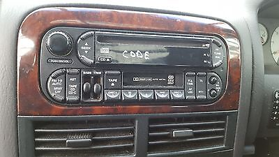 JEEP CHEROKEE 4.0 4x4 WJ 1999-2004 AM/ FM CASSETTE RADIO/ CD PLAYER WITH CODE
