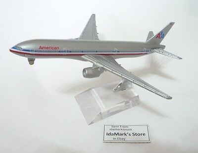 AMERICAN AIRLINES AA Die cast Model Boeing B777 15cm Plane Old Livery