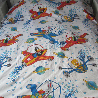 Vintage 1977 LOONEY TUNES Twin flat Sheet BUGS BUNNY TWEETY DAFFY DUCK SYLVESTER