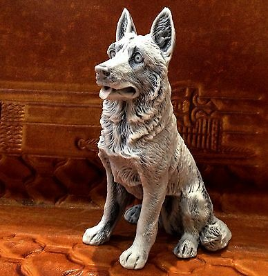 German Shepherd marble chips statuette Dog realistic figurine Souvenirs Russia