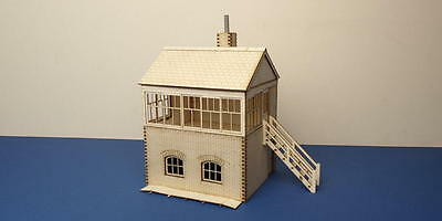 O gauge (7 mm) small signal box - right stairs  - LCC B 70-13R