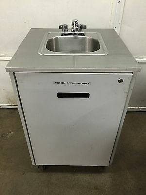 Self Contained , Portable  Hand Washing Sink   Hot/cold Water. Exc.