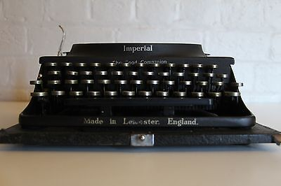 *** Antique ~ Imperial Typewriter ~ Excellent Condition ~ Full working Order ***