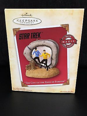 2004 Hallmark Ornament STAR TREK The City on the Edge of Forever FREE SHIPPING!