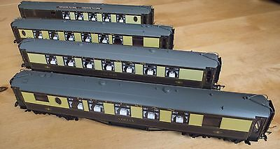 Hornby rake of 4 Pullman coaches with lights R4485 R4486 R4427 & brake 3rd