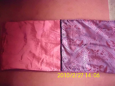 BED throw/runner burgandy.In excellent condition.
