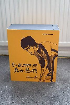 Bruce Lee Game of Death Enterbay 1:6 Scale Action Figure Arnie Kim Signed