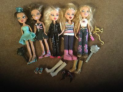 5 Bratz Dolls All Dressed
