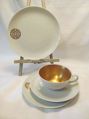 Dorothy Thorpe California Gold White Textured 4 Piece Place Setting DOT13
