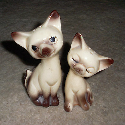 Gorgeous Vintage Siamese Cats Salt & Pepper Shakers