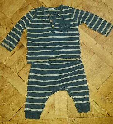 NEXT baby Boys Outfit 2 Piece Set, Leggings and  Top. 3-6 Mth