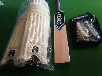 2lb 10oz - SH - 10 GRAIN ENGLISH WILLOW CRICKET BAT WITH PADS & GLOVES - 1253