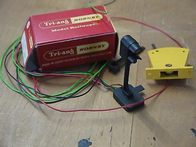 Tri-ang / Hornby RT 405 Colour light signal & Switch