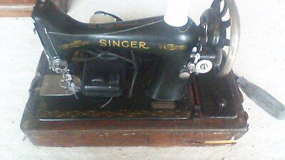 vintage Singer Sewing Machine with bentwood case