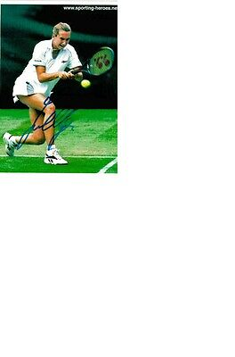 French Open winner 1997 and World nr. 4 at Tennis Iva Majoli signed 10x15 photo.