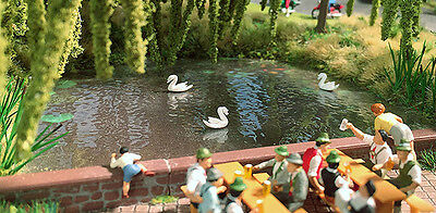 Busch Pond with 3 Moving Swans 5482 HO and OO Scale