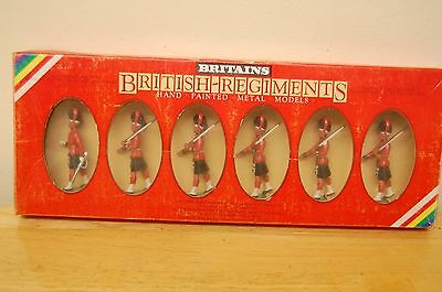 6 Vintage Britains Lead Highland Soldiers Boxed