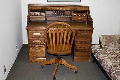 Oak Crest Roll Top Desk and Chair with Lock and Key