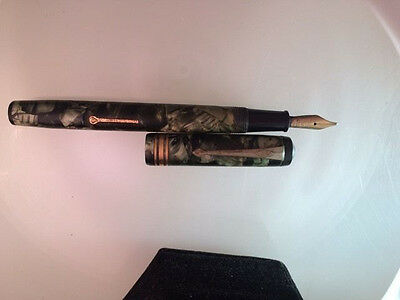 Conway Stewart Fountain Pen No. 388 Green Marble Nib 14 Ct. Gold, Duro