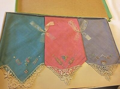 Vintage UNUSED BOX OF Hanky / Hankies Set of 3 in Box - EMBROIDERED PUR/BLUE/PIN