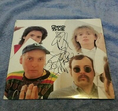 cheap trick one on one signed autographed lp rick nielsen -  robin zander