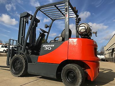 YEAR 2011 6000 Pound LPG/Propane Pneumatic Forklift-WE WILL SHIP-DEAL!!!!!