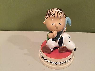 Hallmark Peanuts Figurine Happiness is Hanging Out Together Linus Snoopy  2010
