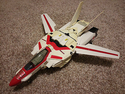 Transformers G1 Jetfire loose with stiff joints and some yellowing - Bandai 1985