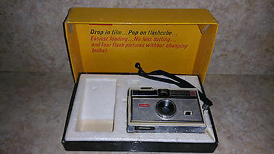 Vintage Kodak Instamatic 104 Camera (UNTESTED) with box